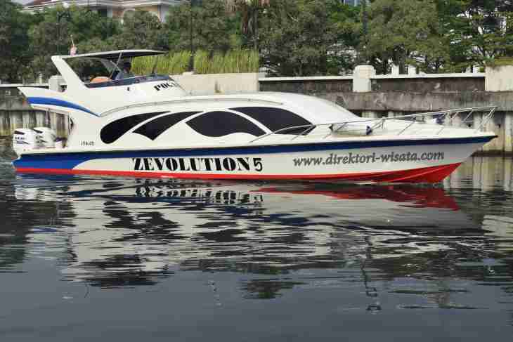 speed-boat-marina-ancol